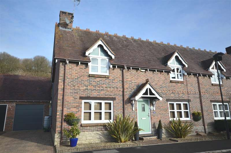 3 Bedrooms Detached House for sale in West Mead, Bridport