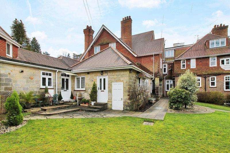 1 Bedroom Apartment Flat for sale in Warren Road, Crowborough, East Sussex