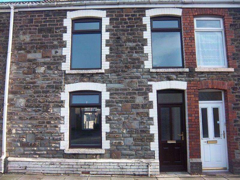 3 Bedrooms Terraced House for sale in Oakwood Street, Port Talbot, Neath Port Talbot.