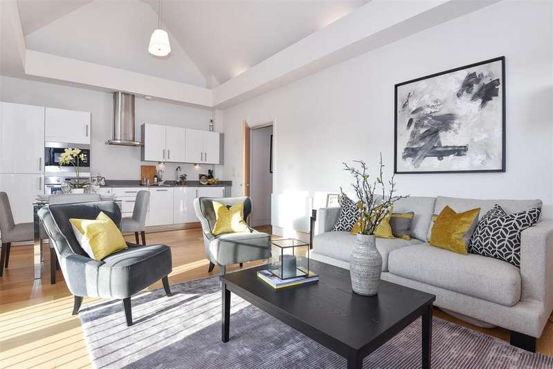 2 Bedrooms Flat for sale in White Hart Lane, Barnes