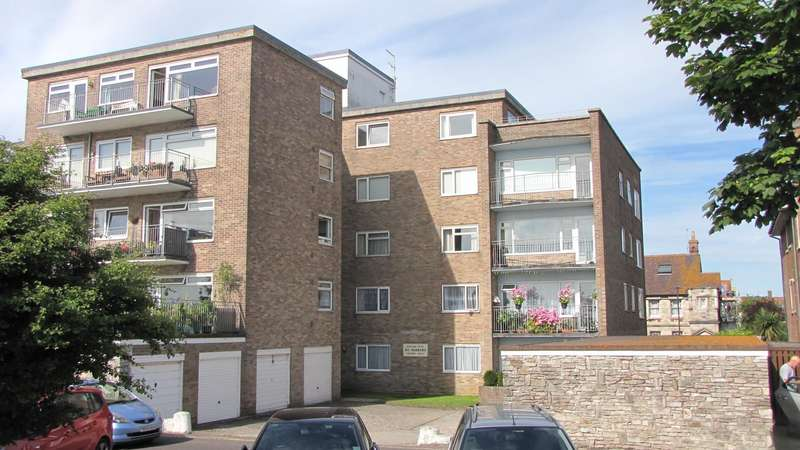 2 Bedrooms Flat for sale in Rempstone Road, Swanage