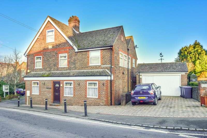6 Bedrooms Detached House for sale in North Street, Turners Hill