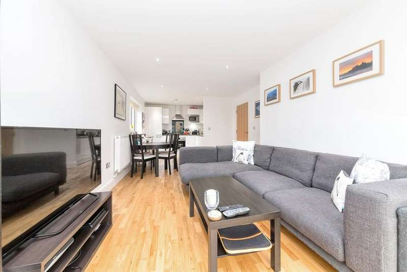 2 Bedrooms Apartment Flat for sale in Canary View, Grenwich, SE10