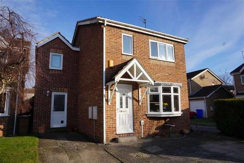 4 Bedrooms Detached House for sale in Ash Avenue, Elloughton, Elloughton, HU15