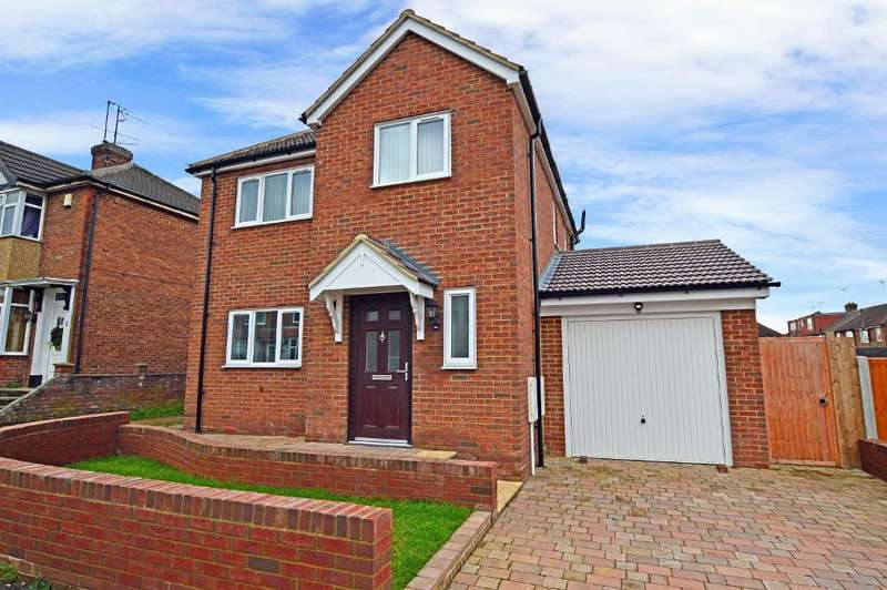 3 Bedrooms Detached House for sale in Chesford Road, Putteridge, Luton, Beds, LU2 8BE