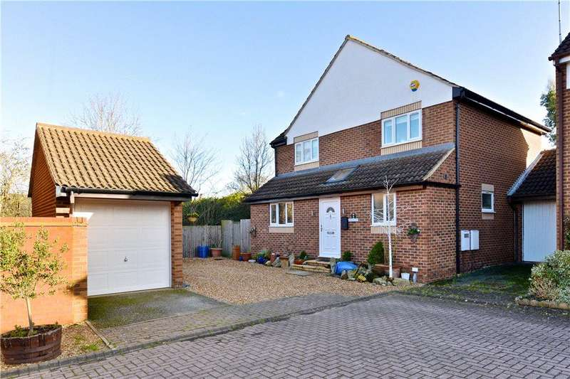5 Bedrooms Detached House for sale in Higgs Court, Loughton, Milton Keynes, Buckinghamshire