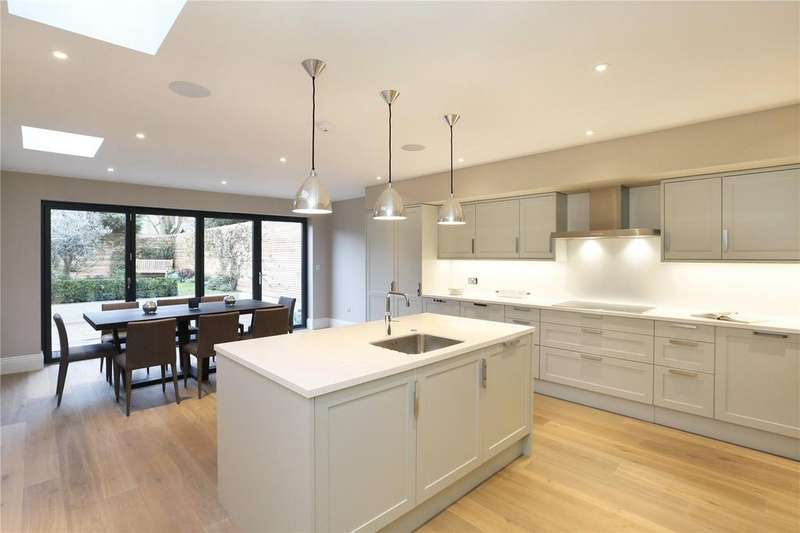 6 Bedrooms Terraced House for sale in Queensmill Road, Bishops Park, Fulham, London, SW6