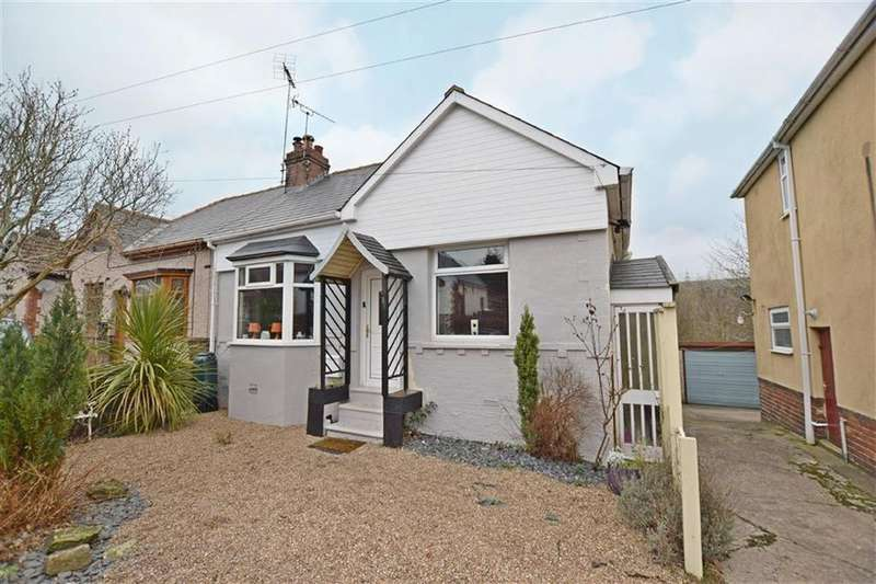 3 Bedrooms Semi Detached Bungalow for sale in Smithy Moor Avenue, Stocksbridge, Sheffield, S36