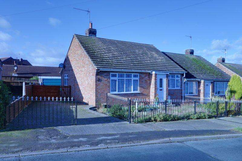 2 Bedrooms Semi Detached Bungalow for sale in North Rise, Burstwick