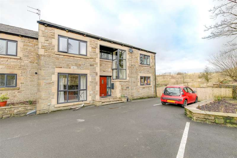4 Bedrooms Barn Conversion Character Property for rent in Riverbank Mews, Loveclough, Rossendale