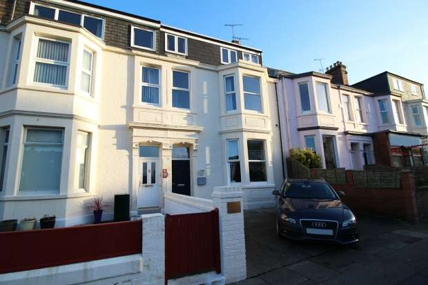 6 Bedrooms Terraced House for sale in Esplanade, Whitley Bay, Tyne And Wear, NE26 2AH