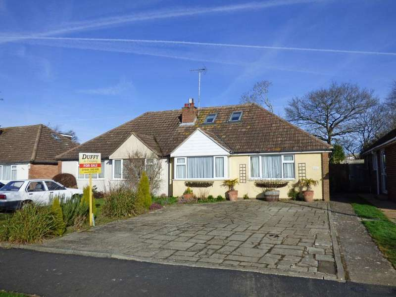 4 Bedrooms Bungalow for sale in Chanctonbury Road, Burgess Hill, RH15