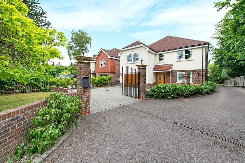 5 Bedrooms Detached House for sale in Green Lane, Oxhey, Hertfordshire, WD19
