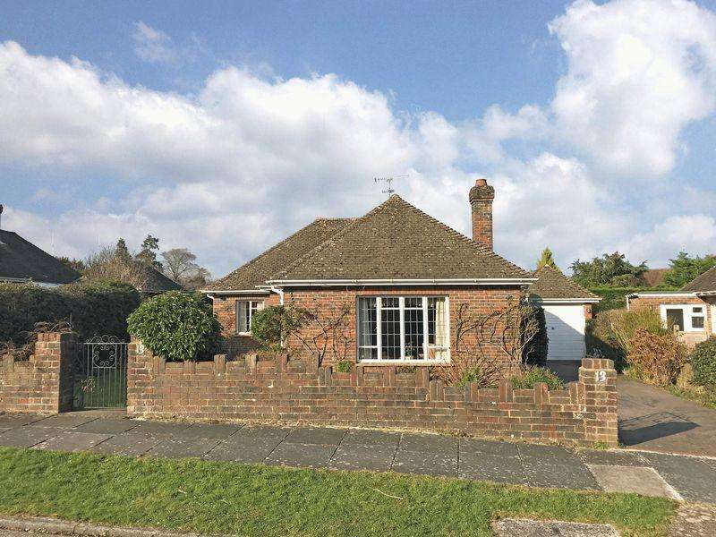 3 Bedrooms Detached Bungalow for sale in Henfield