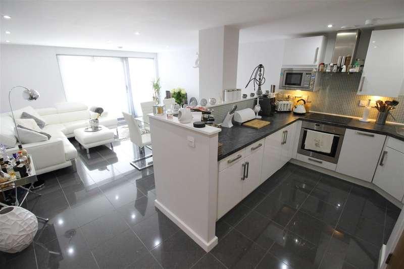 2 Bedrooms Flat for sale in Beckhampton Street, Swindon