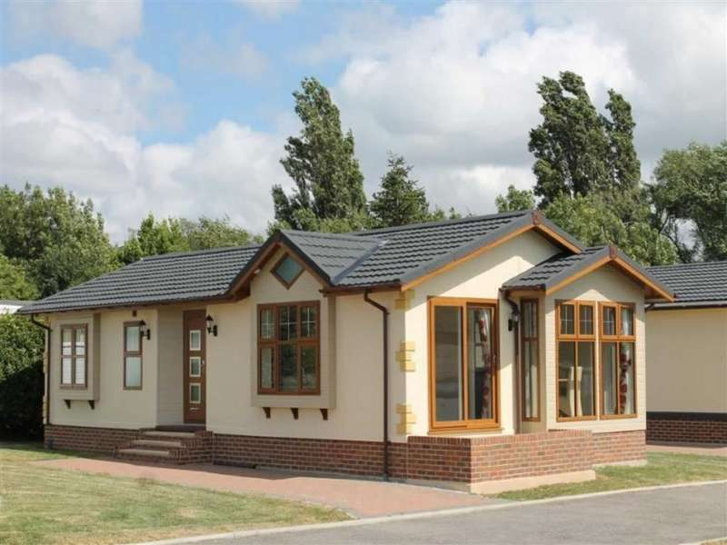 2 Bedrooms Park Home Mobile Home for sale in Wyre Country Park, Wardley's Lane, Poulton-le-Fylde
