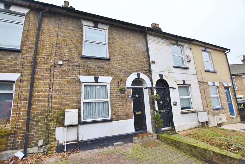 2 Bedrooms Terraced House for sale in Chalk Hill, Watford, Hertfordshire, WD19