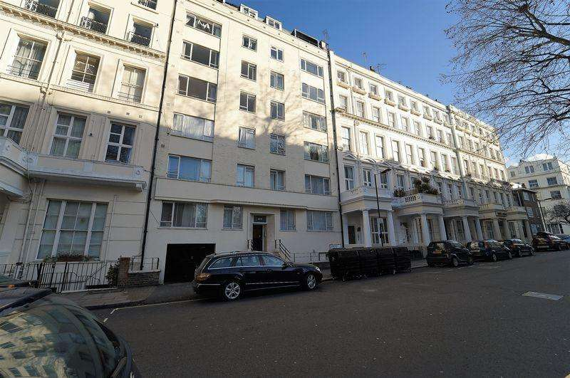 2 Bedrooms Apartment Flat for sale in Leinster Gardens, Bayswater W2