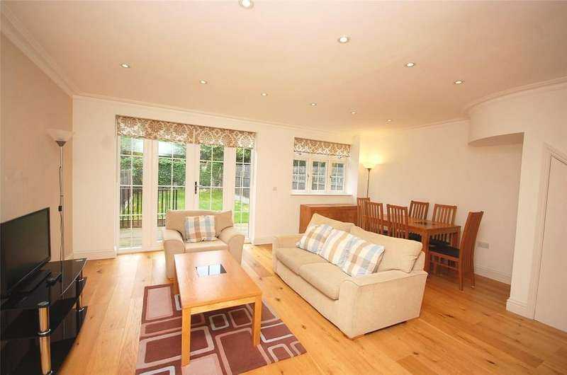 4 Bedrooms House for rent in Anastasia Mews, Woodside Park, London, N12