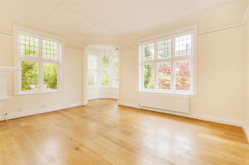 2 Bedrooms Flat for sale in Rosecroft Avenue, Hampstead, London