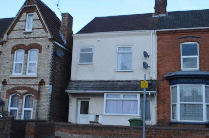 5 Bedrooms Terraced House for sale in Cromwell Road, Grimsby, Lincolnshire, DN31