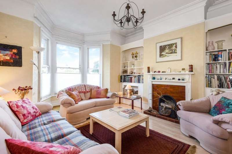 3 Bedrooms Semi Detached House for sale in Long Lane, Finchley