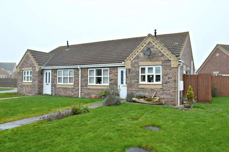 2 Bedrooms Bungalow for sale in Celandine Close, South Killingholme, North East Lincolnshire, DN40