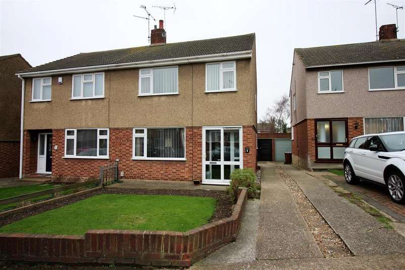 3 Bedrooms Semi Detached House for sale in Clarkebourne Drive, Little Thurrock, Grays