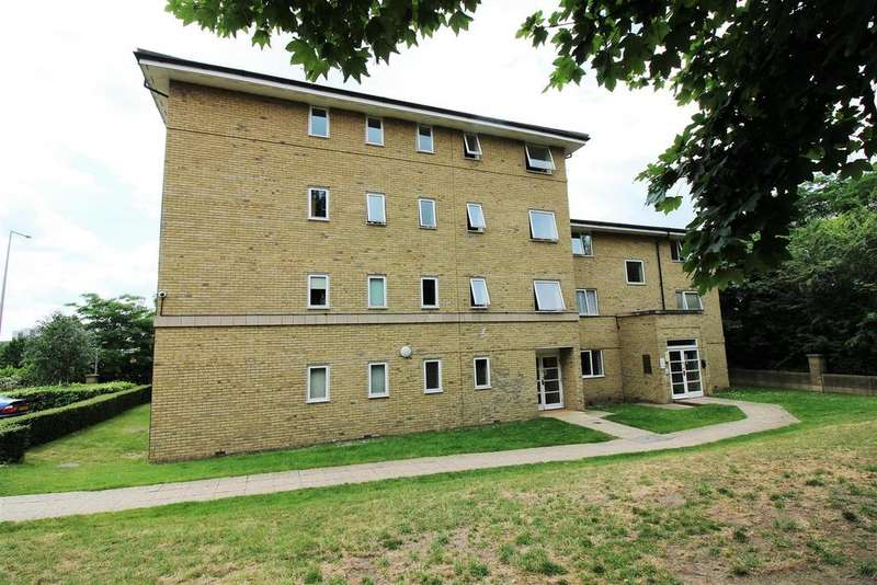 2 Bedrooms Flat for sale in Hogg Lane, Grays