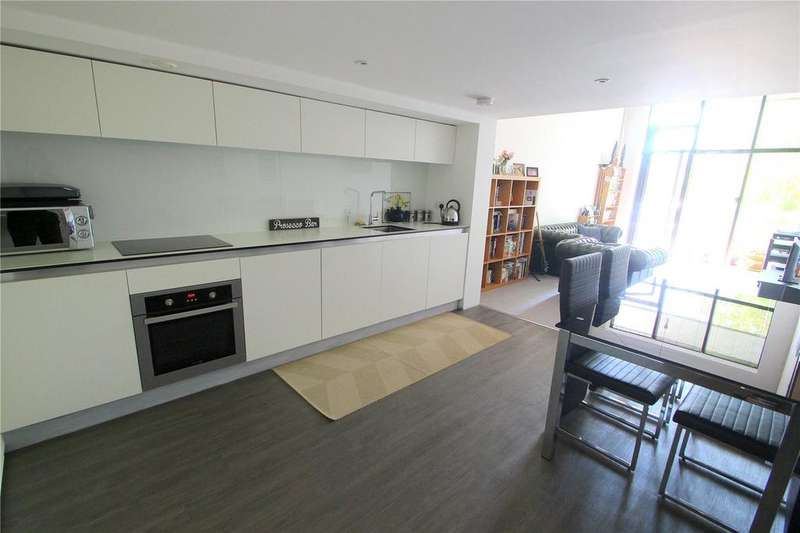 2 Bedrooms Apartment Flat for sale in Lake Shore, Bristol, BS13