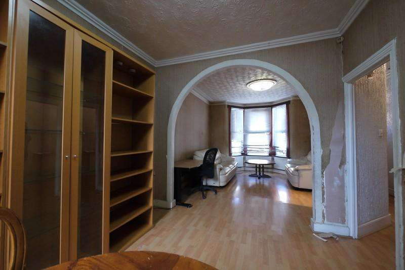 3 Bedrooms Terraced House for sale in Sheringham Avenue, Manor Park, London. E12