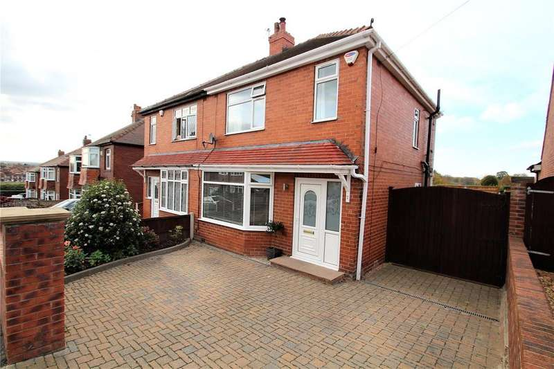 3 Bedrooms Semi Detached House for sale in St Martins Grove, Castleford, WF10