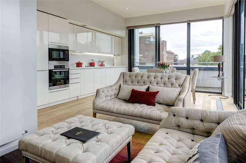 3 Bedrooms Penthouse Flat for sale in Whetstone Park, WC2A