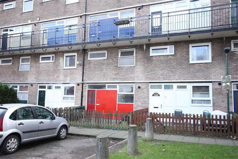 3 Bedrooms Maisonette Flat for sale in Henry Place, Newtown, Chester
