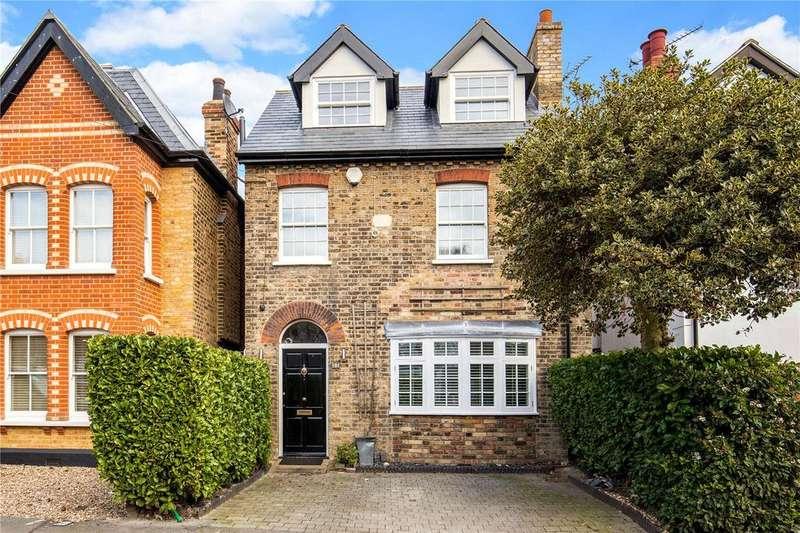 4 Bedrooms Detached House for sale in Princes Road, Buckhurst Hill, Essex, IG9