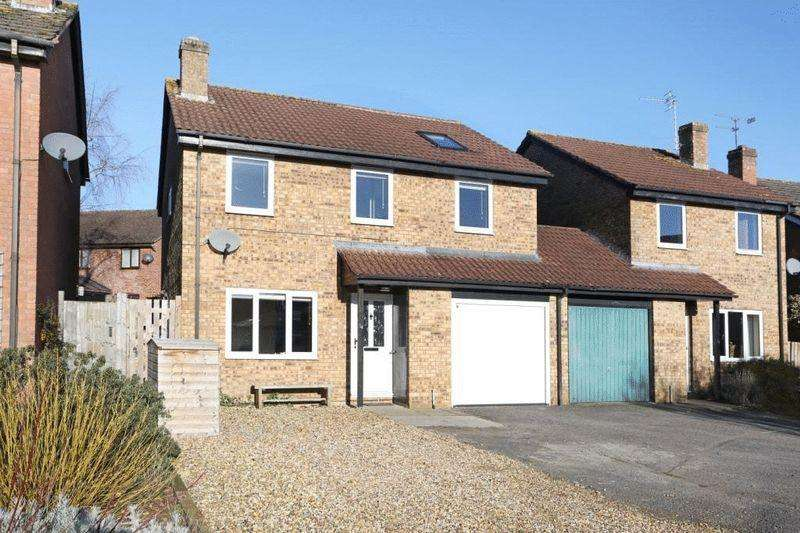 4 Bedrooms Detached House for sale in Tropenell Close, Corsham