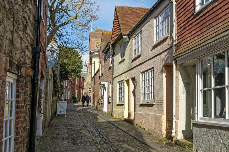 2 Bedrooms Terraced House for sale in Lombard Street, Petworth, West Sussex, GU28
