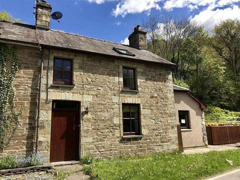 3 Bedrooms Semi Detached House for sale in Velindre, Llandysul