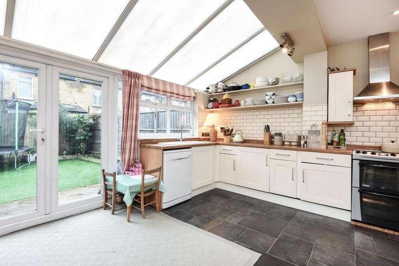 3 Bedrooms Terraced House for sale in Burmester Road, Earlsfield