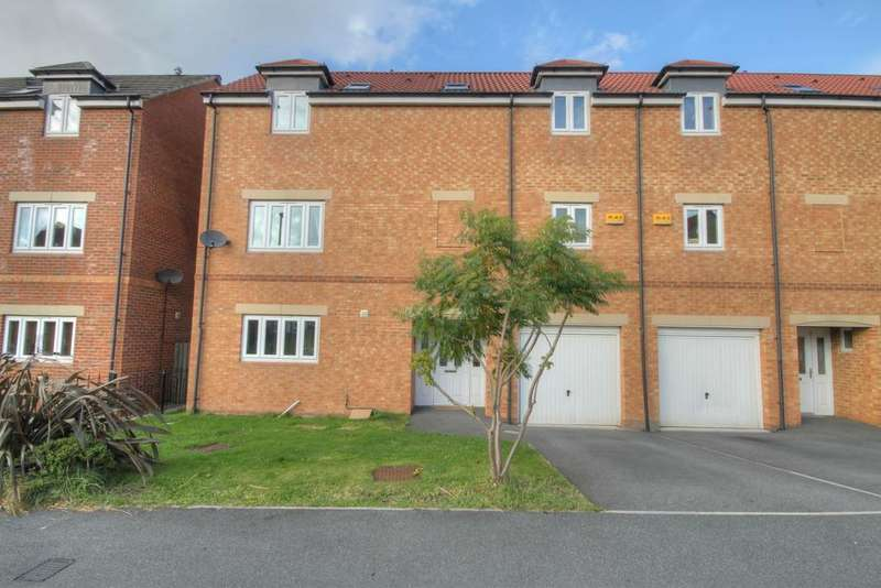 3 Bedrooms Town House for rent in Murray Park, Stanley DH9