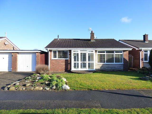 3 Bedrooms Detached Bungalow for sale in Chiltern Road, Culcheth, Warrington