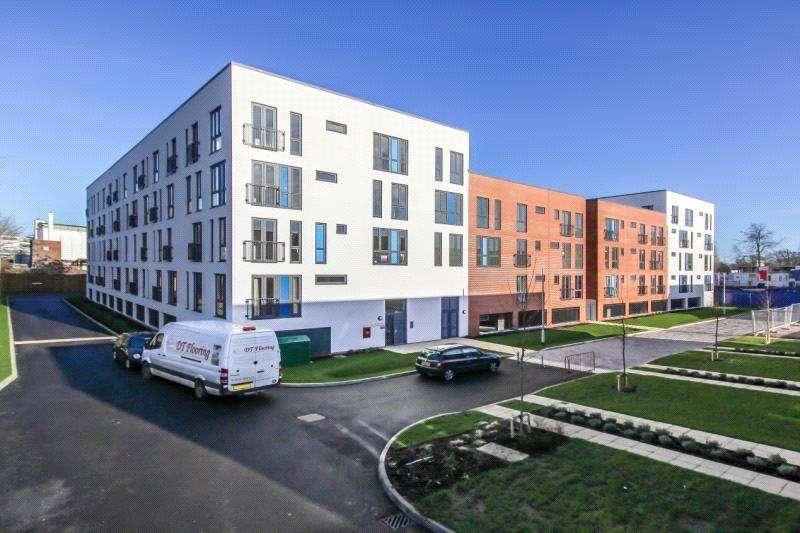2 Bedrooms Flat for rent in Salvisberg Court, Otto Road, Welwyn Garden City, Hertfordshire