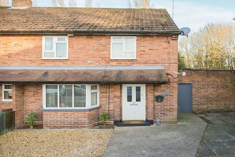 3 Bedrooms Terraced House for sale in Queensway, Whitchurch, SY13