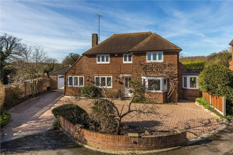 3 Bedrooms Detached House for sale in Lower Luton Road, Wheathampstead, St. Albans, Hertfordshire