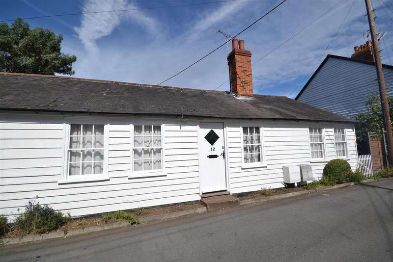 2 Bedrooms Cottage House for rent in Chapel Road, Burnham-On-Crouch