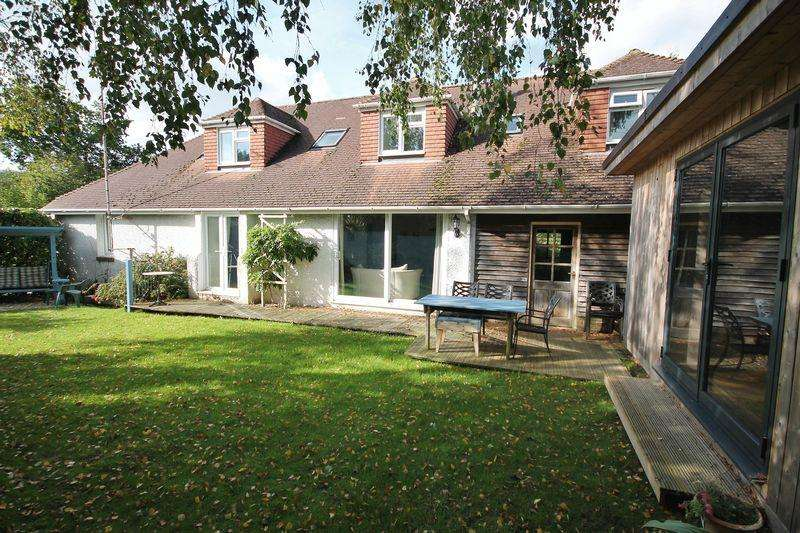 6 Bedrooms Chalet House for sale in Thakeham, Pulborough
