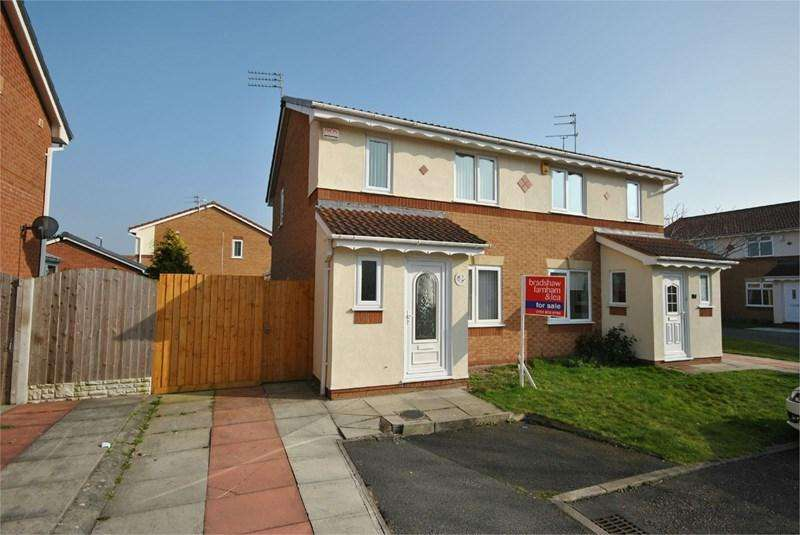 3 Bedrooms Semi Detached House for rent in Lapworth Close