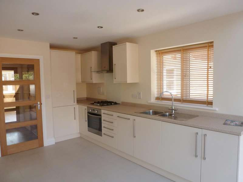 2 Bedrooms End Of Terrace House for rent in Langborough Court, Godalming