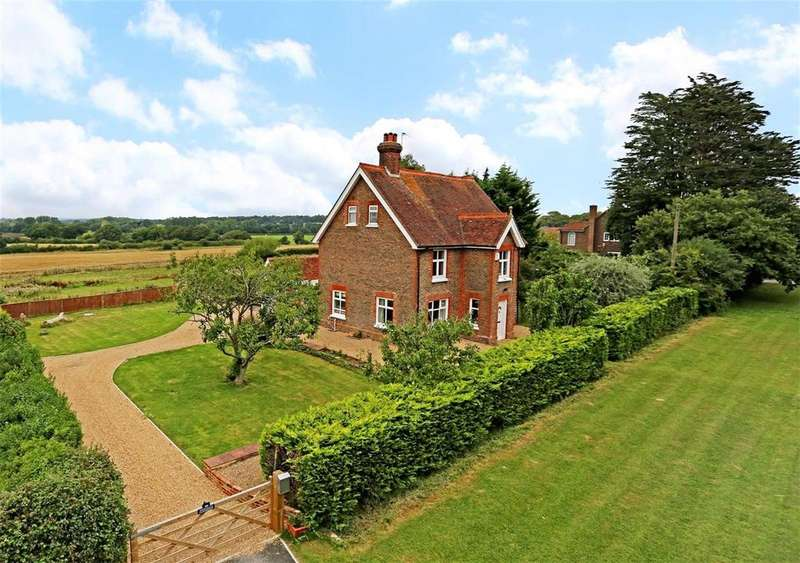 5 Bedrooms Detached House for sale in The Broyle, Shortgate, Nr Lewes, East Sussex, BN8