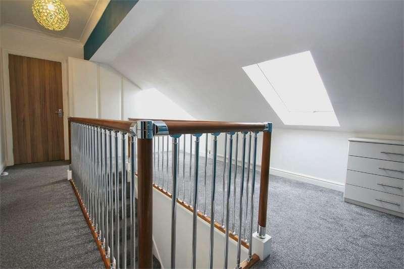 4 Bedrooms Detached House for sale in Gemsbok Way, Hull, HU4